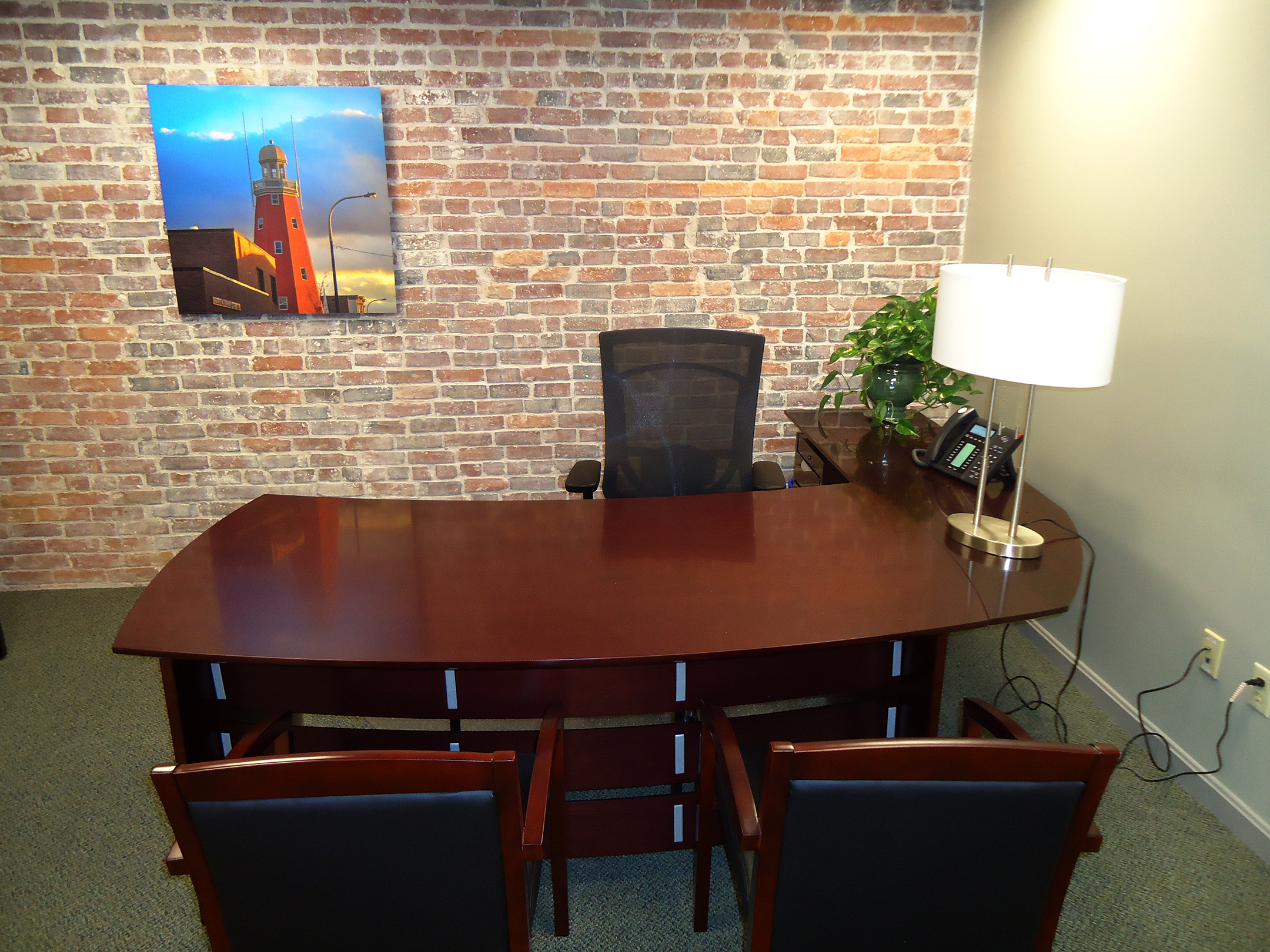 Six city center executive office for Office pictures